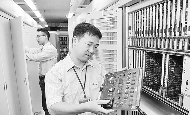 Domestic telecom providers face new challenges hinh anh 1