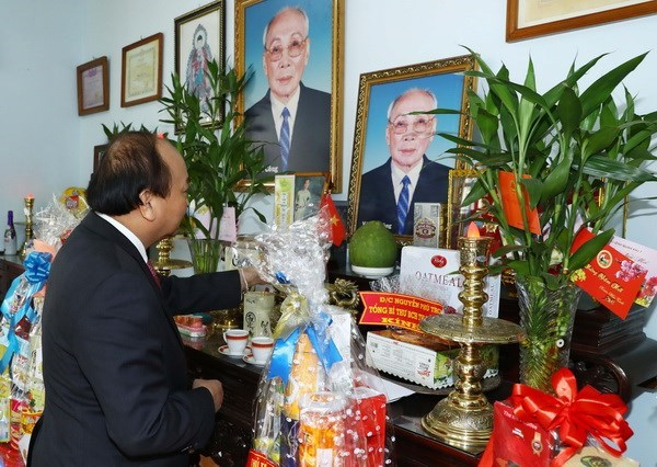 PM pays tribute to late Government, State leaders hinh anh 1