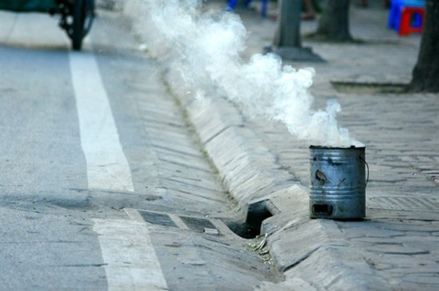 Experts warn of earthenware stove's dangers hinh anh 1