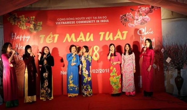Vietnamese expats in India, Russia celebrate Tet hinh anh 1