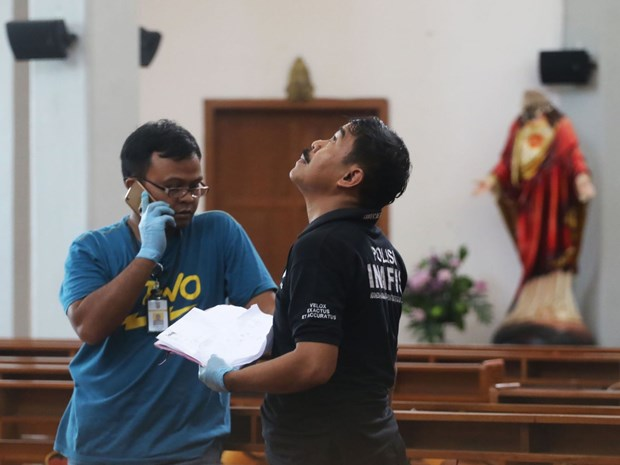 Indonesia: four injured in church attack hinh anh 1