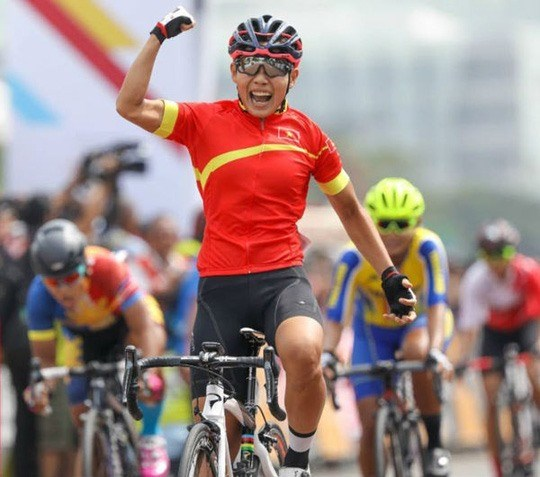 Vietnam wins first gold at Asian cycling event hinh anh 1