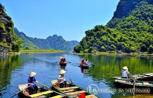 More boat tour opened in Trang An Landscape Complex hinh anh 1