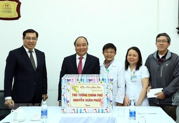 Prime Minister visits hospital in Da Nang hinh anh 1