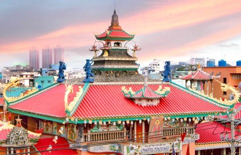 170-year-old pagoda is popular tourist site in HCM City hinh anh 1