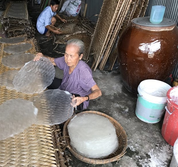 Rice paper village keeps ancient craft alive hinh anh 3