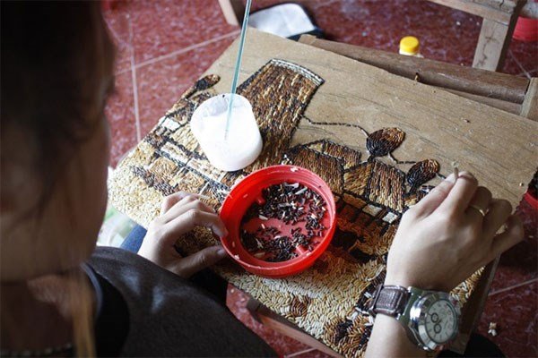 Rice paintings in Kon Tum highlight Central Highlands hinh anh 1