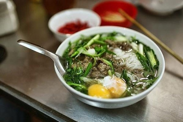 """More than a bowl of noodles, """"pho"""" is history hinh anh 1"""