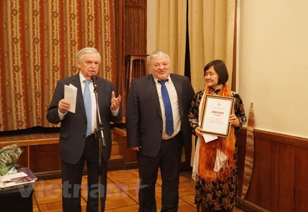 Vietnamese literary translator honoured with Russian award hinh anh 1