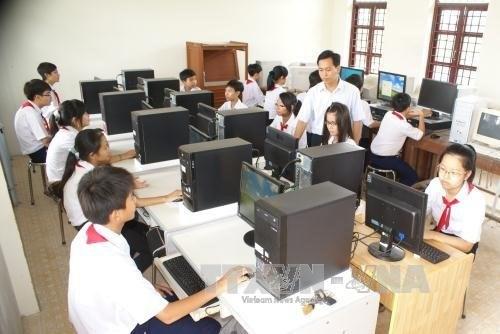 National reforms make teachers redundant hinh anh 1