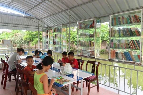 Children flock to Hai Duong reading garden hinh anh 1