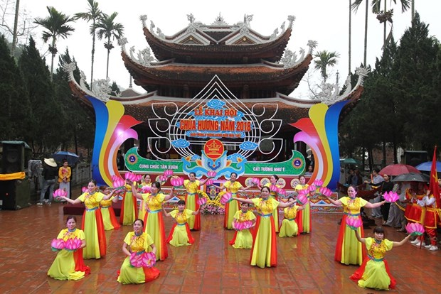 Numerous festivals kick off amid Tet atmosphere hinh anh 3