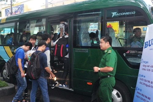 HCM City to encourage school students to travel by bus hinh anh 1