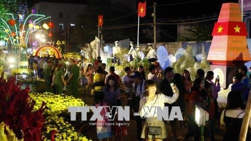 Tourism booms during lunar New Year holiday hinh anh 1