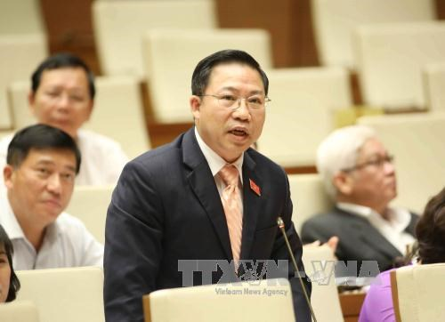 Protecting denouncers of Party members' degradation a must hinh anh 1