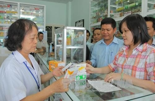 Made-in-Vietnam medicine use on the rise hinh anh 1