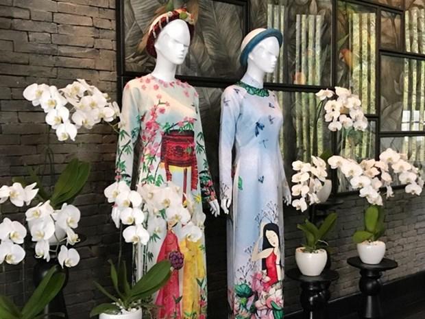 Da Nang luxurious resort hosts Ao dai exhibition of famous designers hinh anh 1