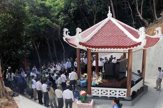 Binh Dinh: ceremony marks 46th anniversary of Tram Phau massacre hinh anh 1