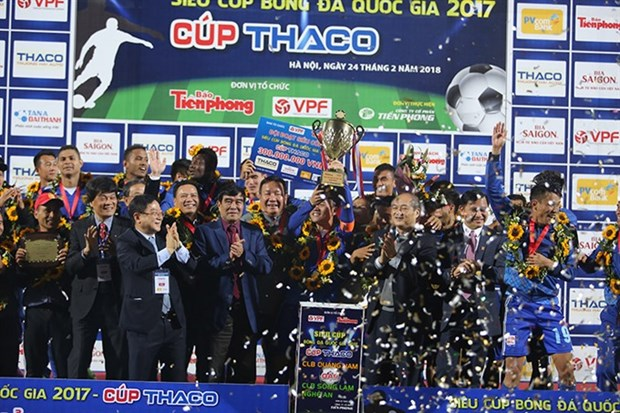 Quang Nam team takes National Super Cup trophy hinh anh 1