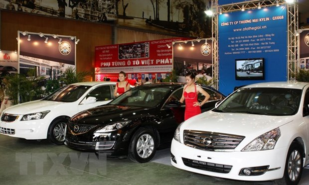 Auto imports drop following government's new decree hinh anh 1