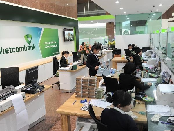 Vietcombank looks to earn 570-mln-USD profit in 2018 hinh anh 1
