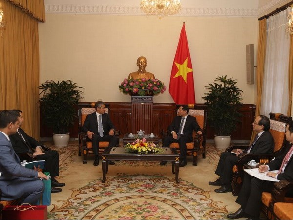 Vietnam enhances cooperation with Azerbaijan hinh anh 1