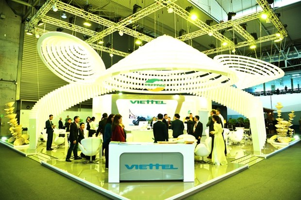 Eight Viettel products at world mobile expo hinh anh 1