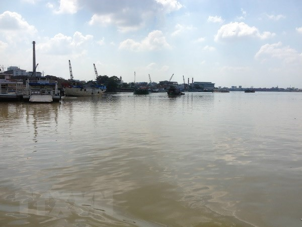 Report gives recommendations on water pollution control hinh anh 1