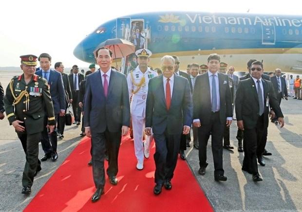 President arrives in Dhaka, beginning State visit to Bangladesh hinh anh 1