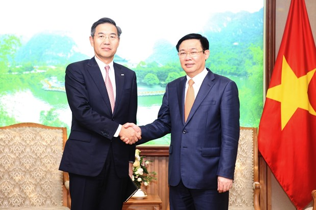 Deputy PM hosts Sumitomo Mitsui Bank's senior official hinh anh 1