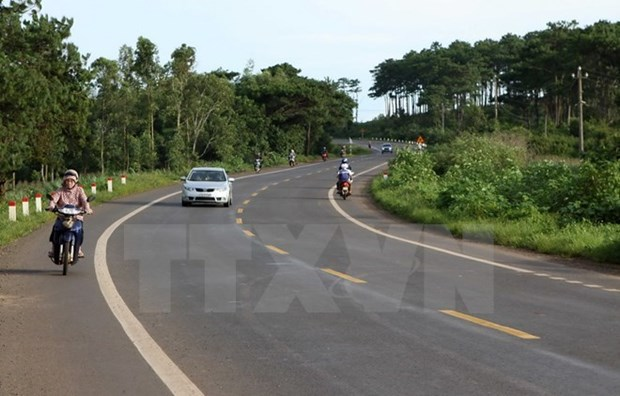 Traffic accidents reduce in National Highway 1A during new year hinh anh 1