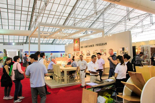 Int'l furniture, home decor fair returns to HCM City hinh anh 1