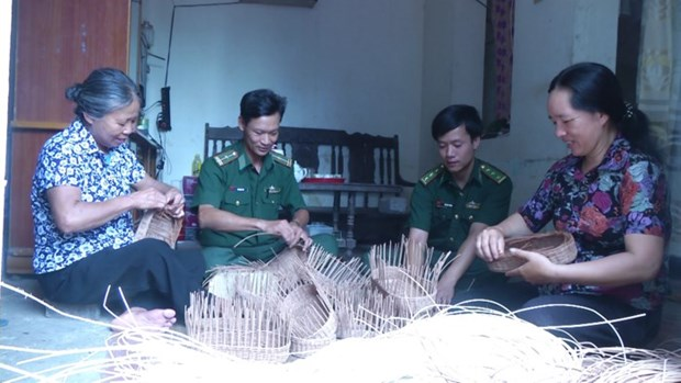 Programme supports women in border, island areas hinh anh 1