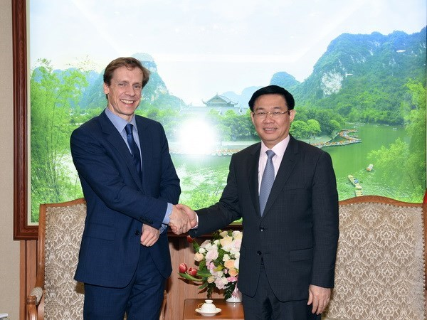 Deputy Prime Minister greets World Economic Forum's official hinh anh 1