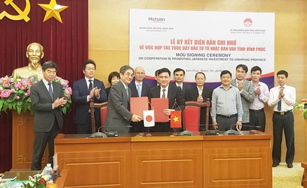 Japanese bank signs cooperation agreement with Vinh Phuc province hinh anh 1