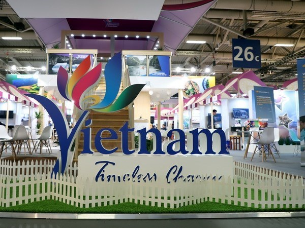 Vietnam's tourism promoted at world's largest travel show hinh anh 1