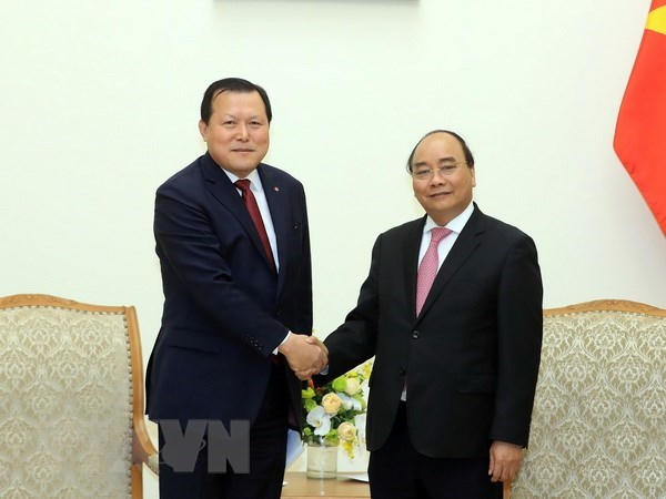 Prime Minister hails Lotte's operation in Vietnam hinh anh 1