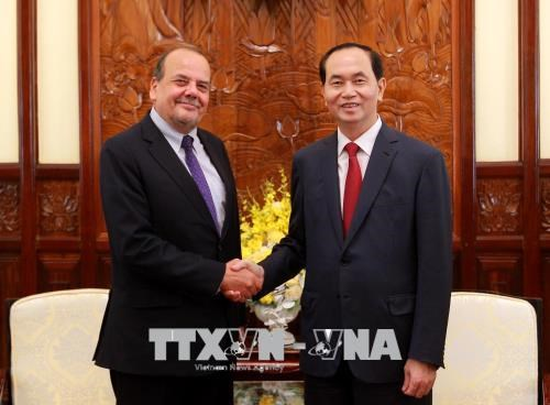 Chile wants to learn Vietnam's experience in hosting APEC Year hinh anh 1
