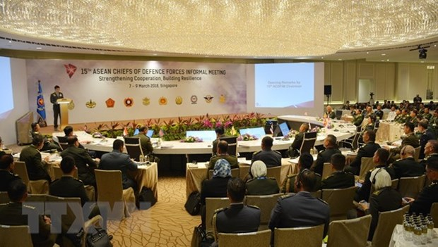 ASEAN chiefs of defence forces convene informal meeting hinh anh 1