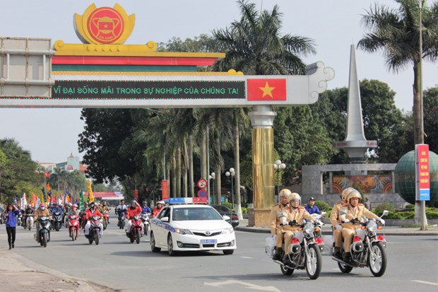 Traffic safety campaign targets students hinh anh 1