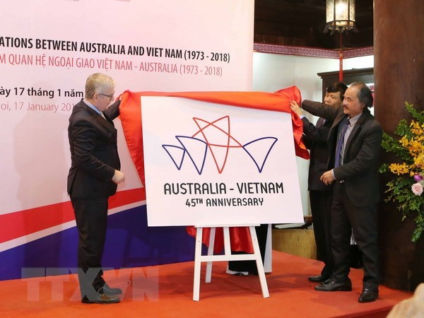 Vietnam, Australia look to lift up ties to strategic partnership hinh anh 1