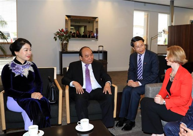 PM Nguyen Xuan Phuc arrives in Auckland, starting official visit to NZ hinh anh 2