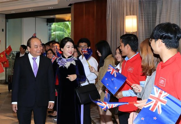 PM Nguyen Xuan Phuc arrives in Auckland, starting official visit to NZ hinh anh 1