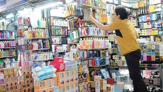 Local cosmetics sector needs preferential policies hinh anh 1