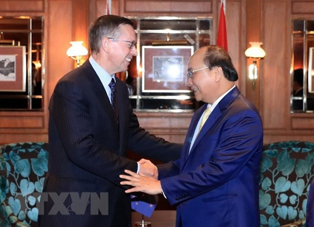 PM Nguyen Xuan Phuc suggests more VN-NZ direct flights hinh anh 1