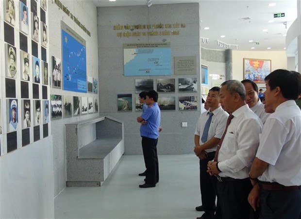 Khanh Hoa authorities commemorate 64 Gac Ma naval martyrs hinh anh 3