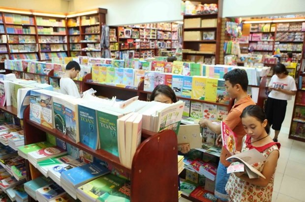 Seminar shares int'l experience in compiling textbooks hinh anh 1
