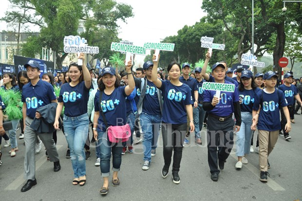 Hanoi goes vibrant with activities response to Earth Hour hinh anh 1