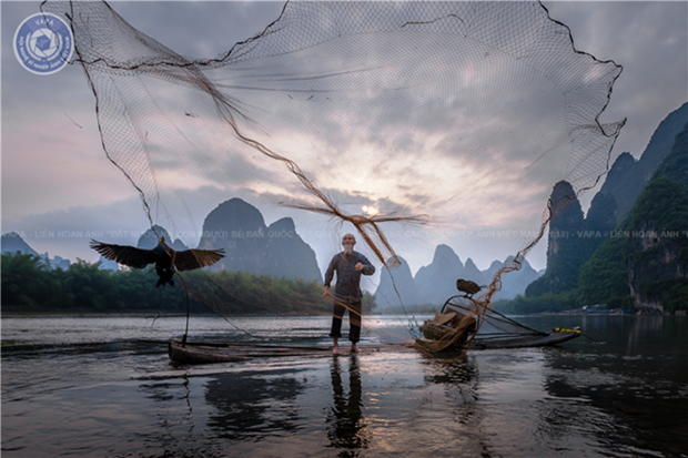 Foreign lands, people through Vietnamese photographers' eyes hinh anh 1