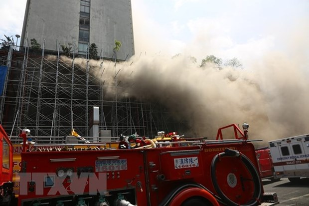 Philippines: At least four injured in hotel fire hinh anh 1